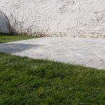 Terrasse en pavés avec bordure invisible